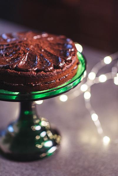 Liucinos veganiškas šokoladinis tortas su burokėliais ir avokadais