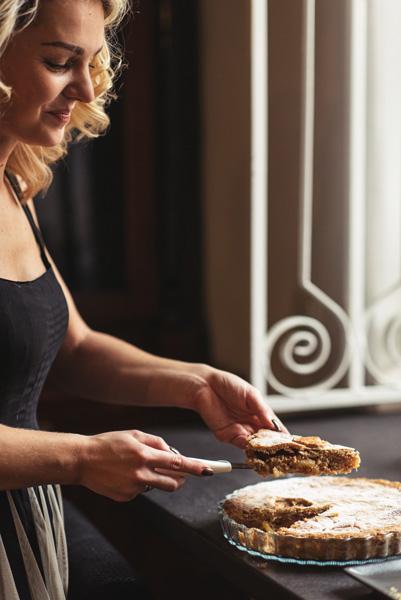 Liucinos pyragas su slyvomis ir speltų miltais